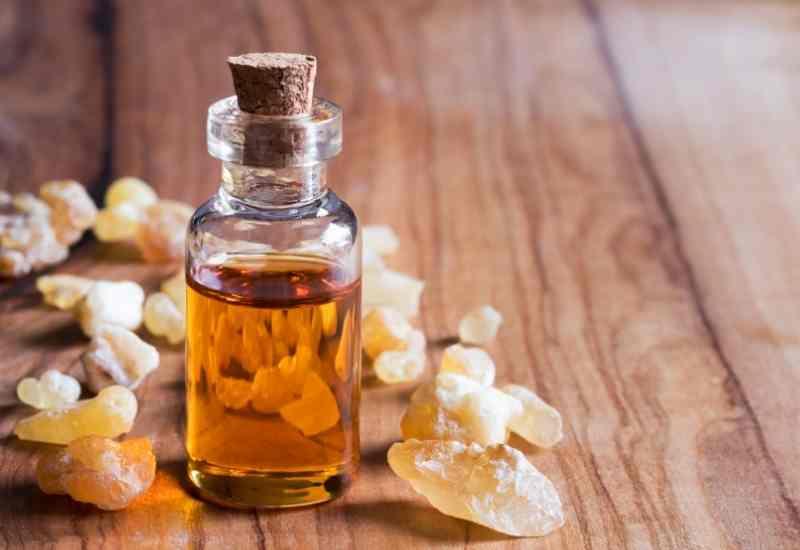 Frankincense essential oil for depression